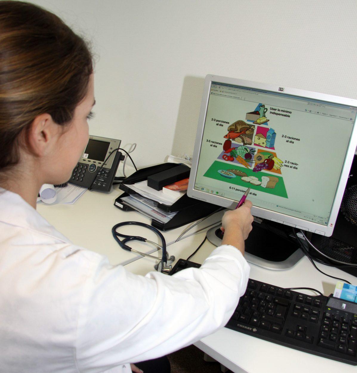 Digestivo del Hospital La Fe advierte de los excesos alimentarios en época navideña