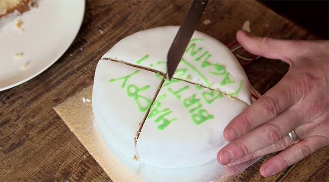 Cómo es la manera perfecta de cortar una tortatarta