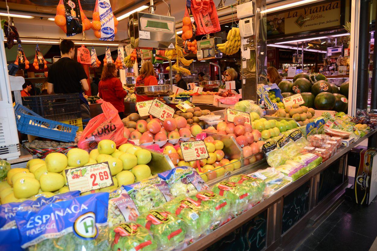 A más tiendas de alimentación tradicionales, menor obesidad entre la población