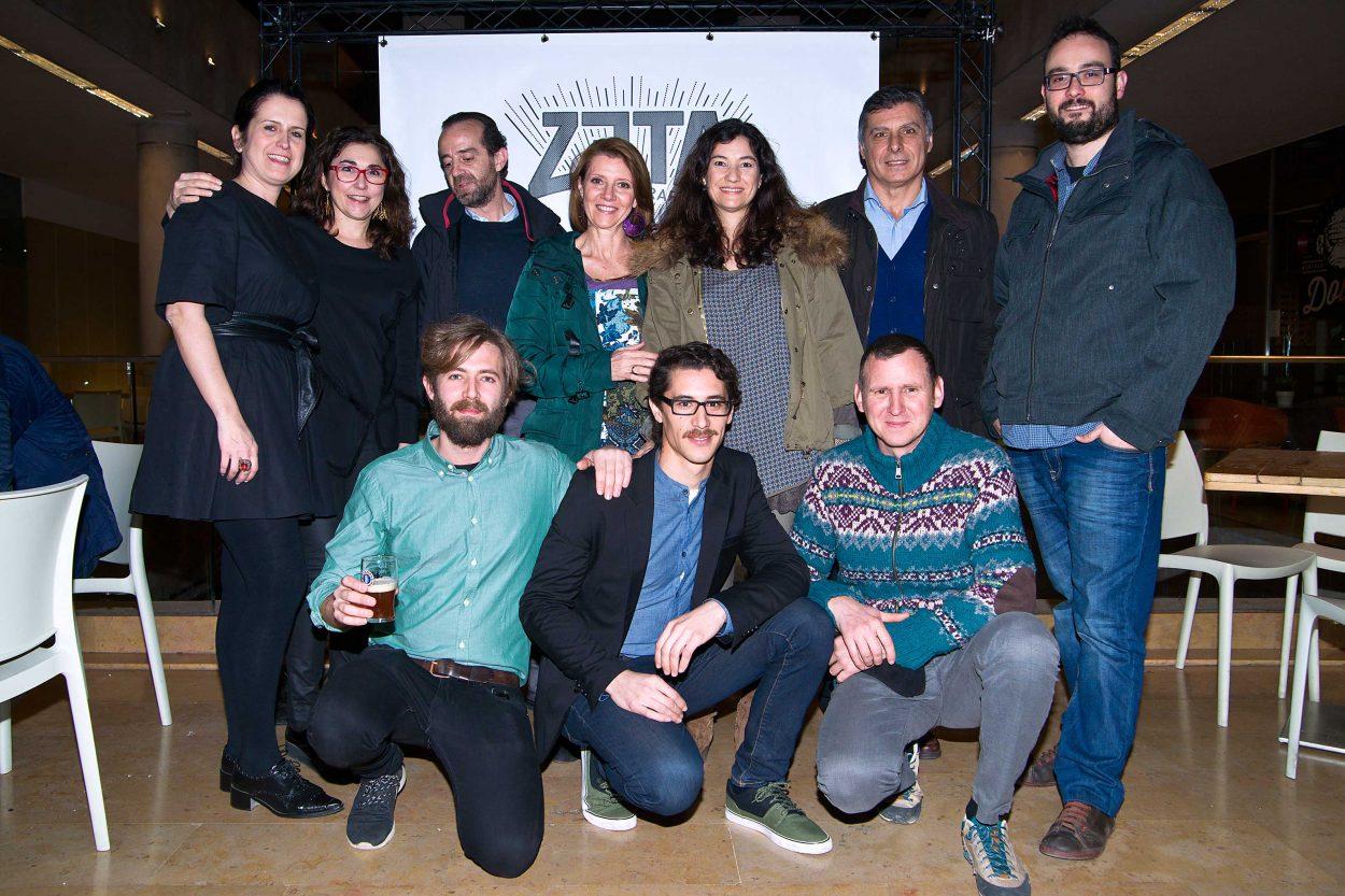 Bierwinkel reune a empresarios, políticos, artistas, y cerveceros en la concurrida presentación de Zendra