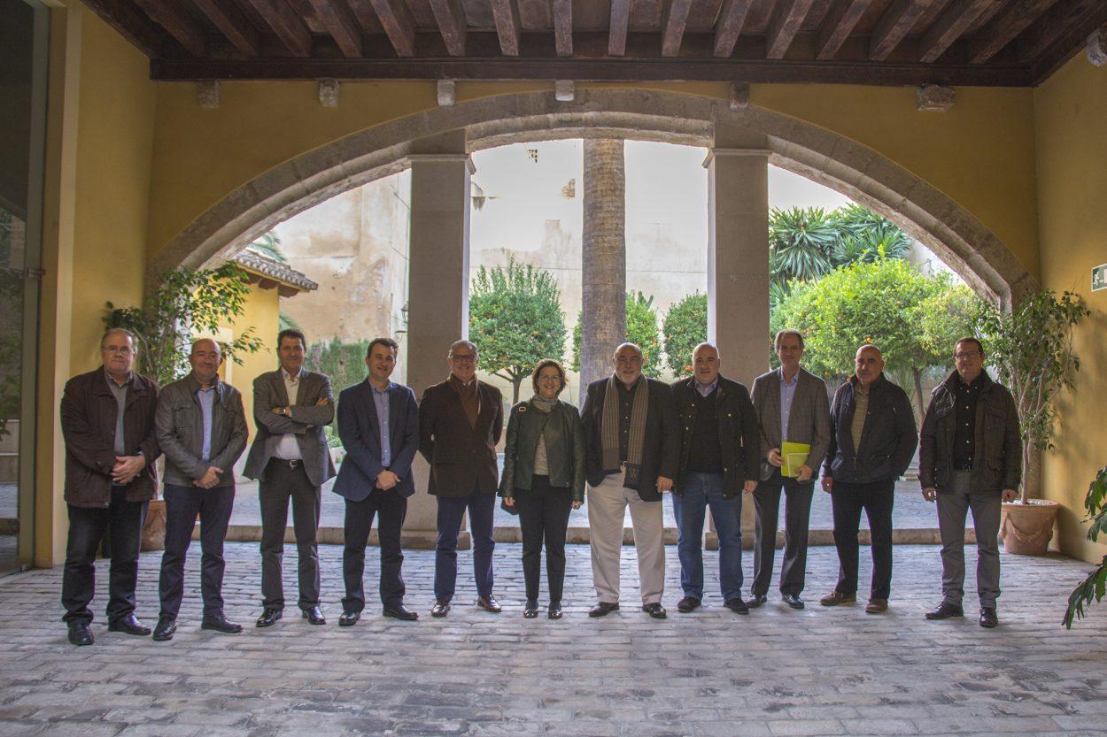 Cebrián destaca la importancia de las cooperativas en el ámbito productivo y de la comercialización en el sector vitivinícola