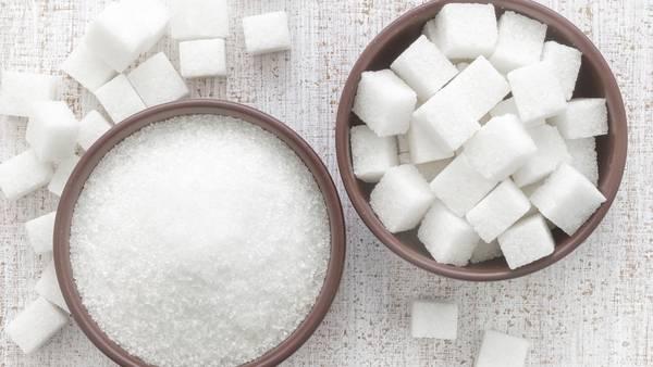 Limite el azúcar y la sal, aumente el consumo de frutas y verduras