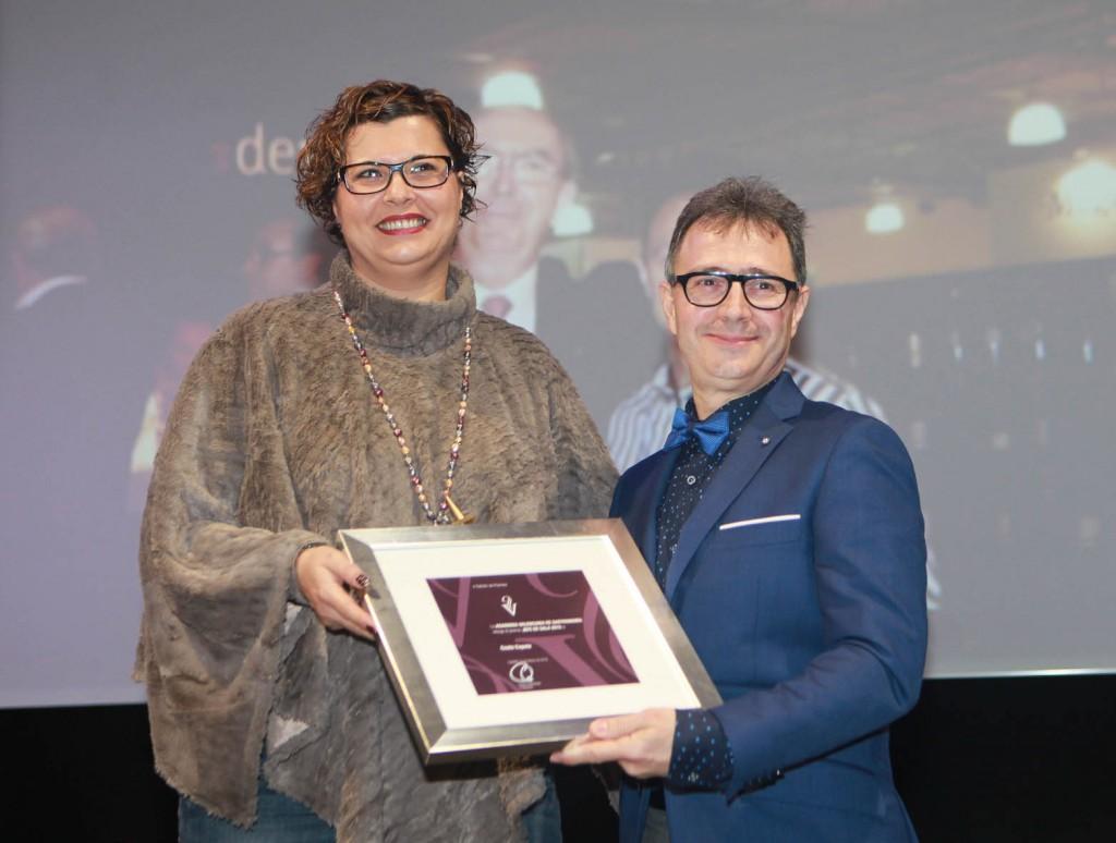 La concejala de Turismo, Patricia Puerta, entrega los Premios de la Academia Valenciana de Gastronomía