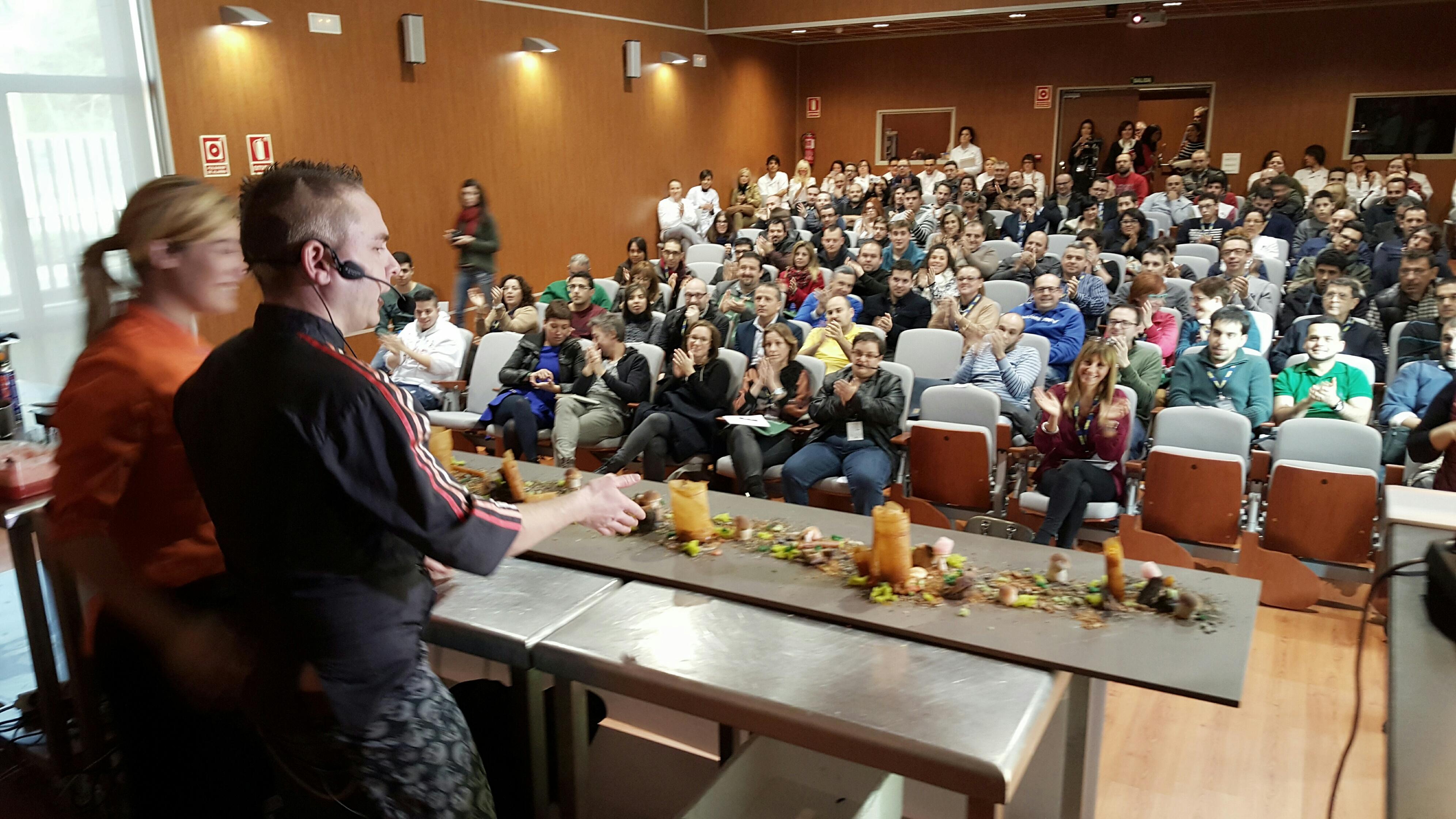 Los chefs castellonenses exponen su visión sobre la gastronomía ante 300 personas