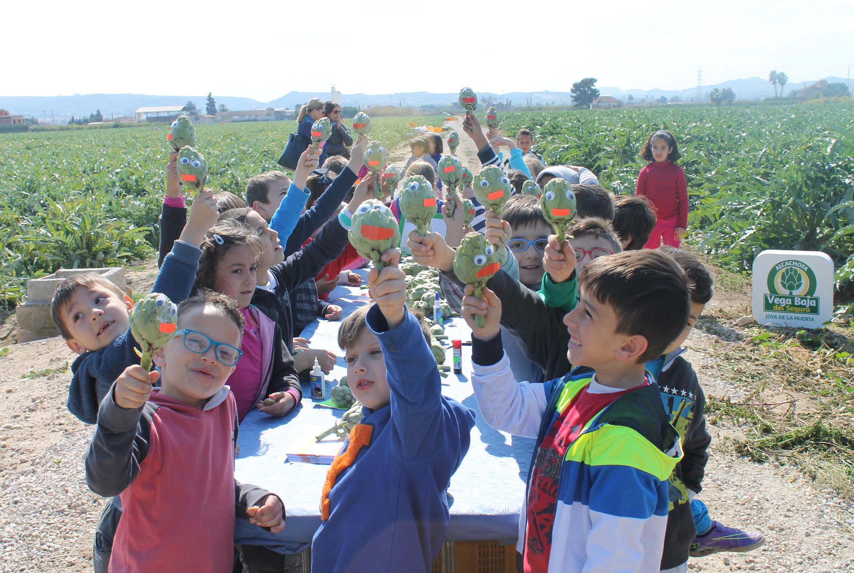 Más de 1.800 alumnos participan en la campaña escolar de la alcachofa de la Vega Baja del Segura