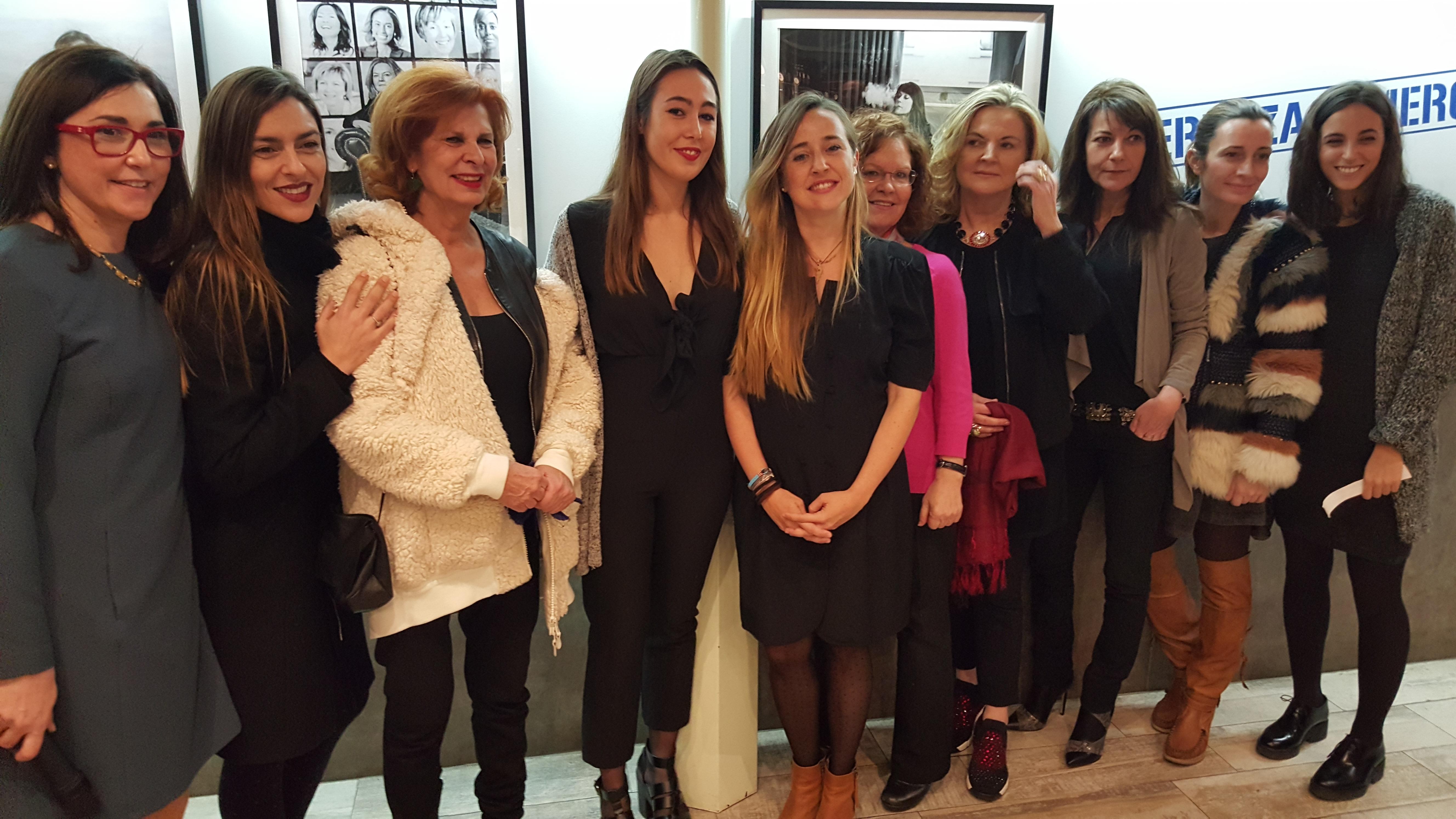 """Bierwinkel llena el Mercado de Colón con la exposición """"Porque Cerveza es nombre de Mujer"""""""