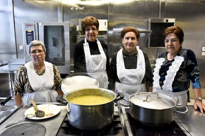 Mujeres que han participado en la jornada de presentación de estas jornadas gastronómicas.