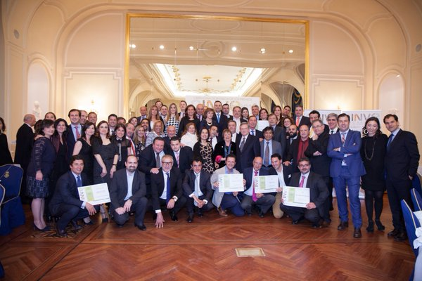 Ganadores de Premios CINVE, recogiendo su premio anoche en el Hotel Ritz