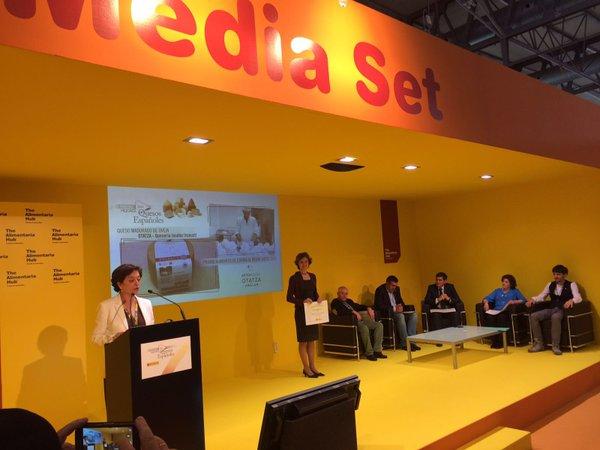 Isabel García Tejerina entrega los premios a los mejores quesos españoles 2015