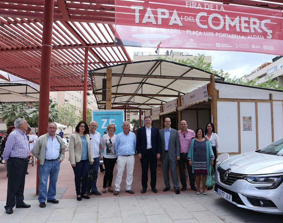 Puig visita la Feria del Comercio y la Tapa de Aldaia