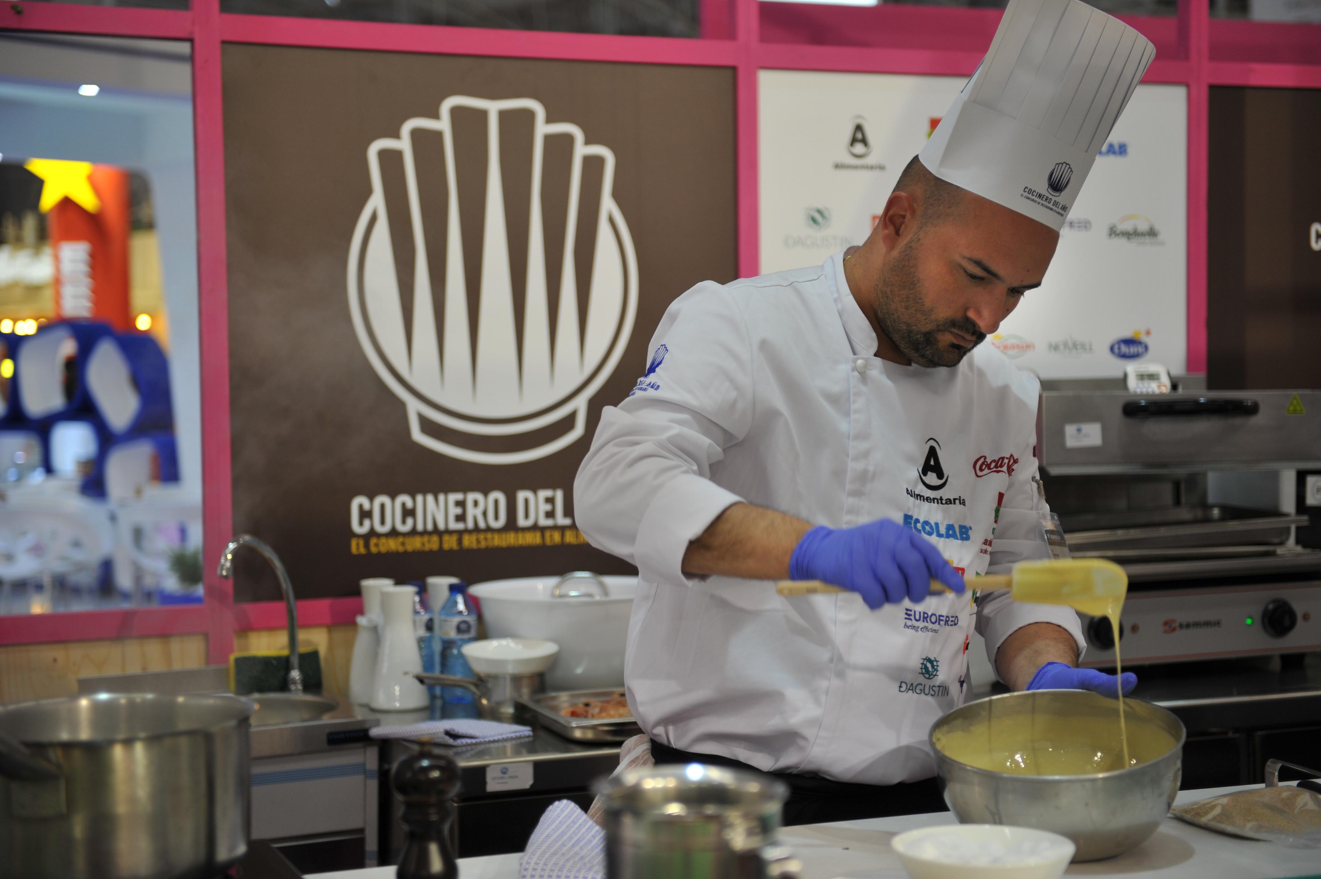 Raúl Resino ganador del VIconcurso cocinero del año y Oscar Quintana del ii concurso camarero del año