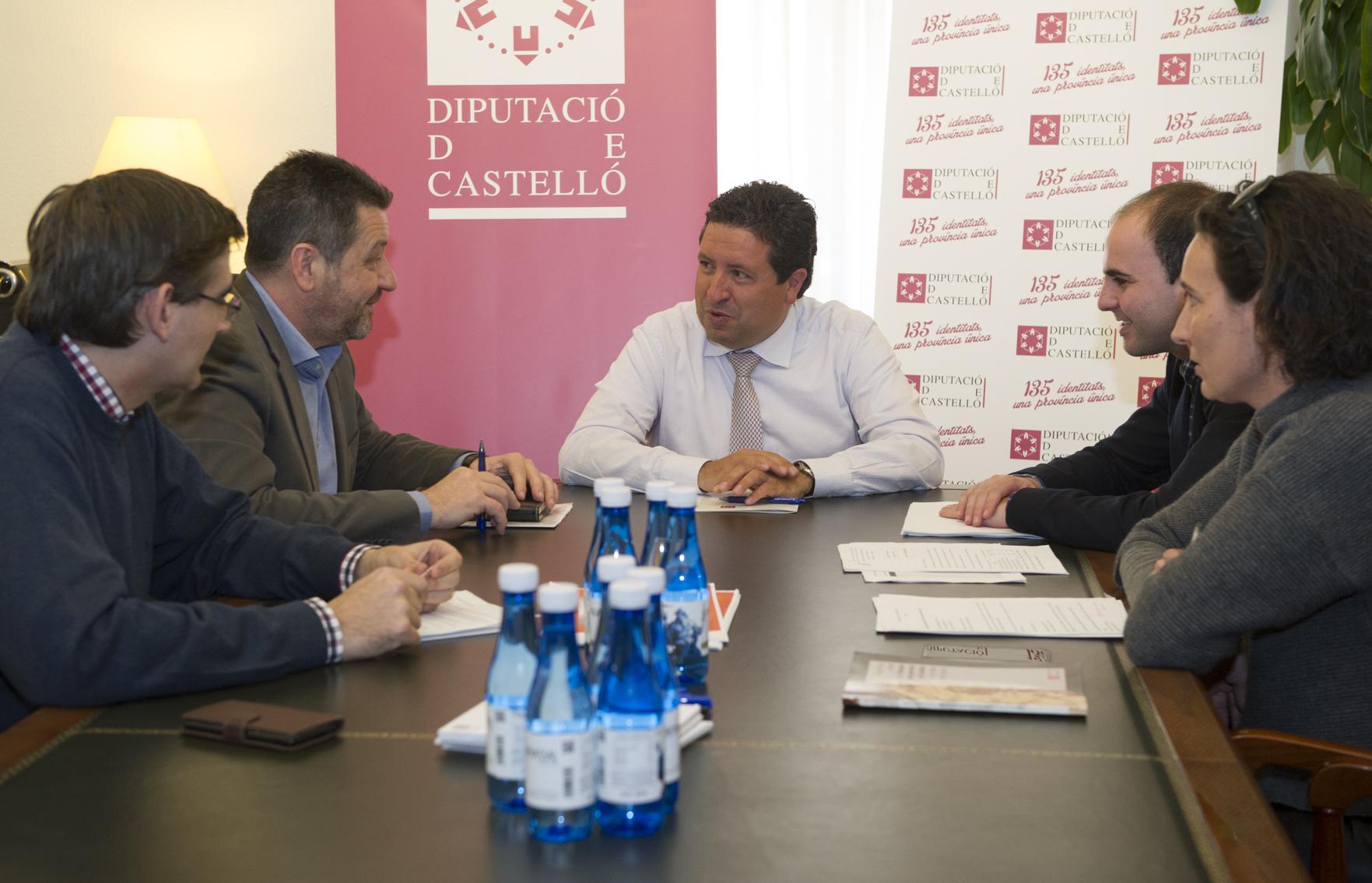La Diputación constata su preocupación por el 'ébola de los olivos' y pide acciones de prevención a la Generalitat