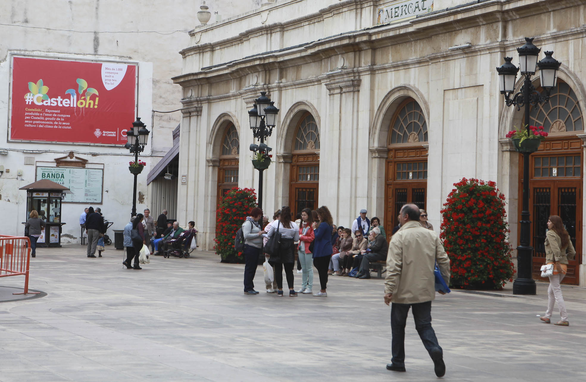 La campaña de dinamización #Castellóh! se acerca al Mercado Central y al de San Antonio