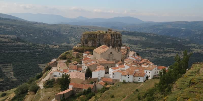 Visita a la nevera medieval y los molinos en Ares del Maestre
