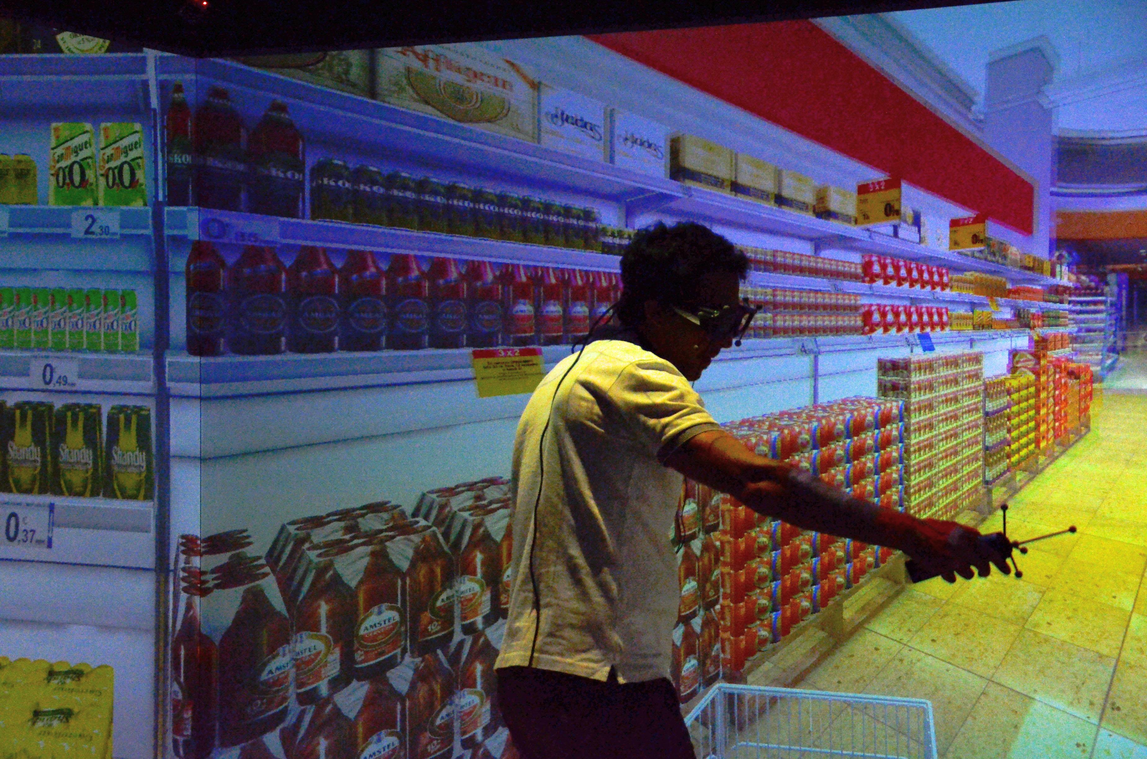 El recorrido en la tienda y el patrón visual de la mirada predicen el comportamiento del consumidor