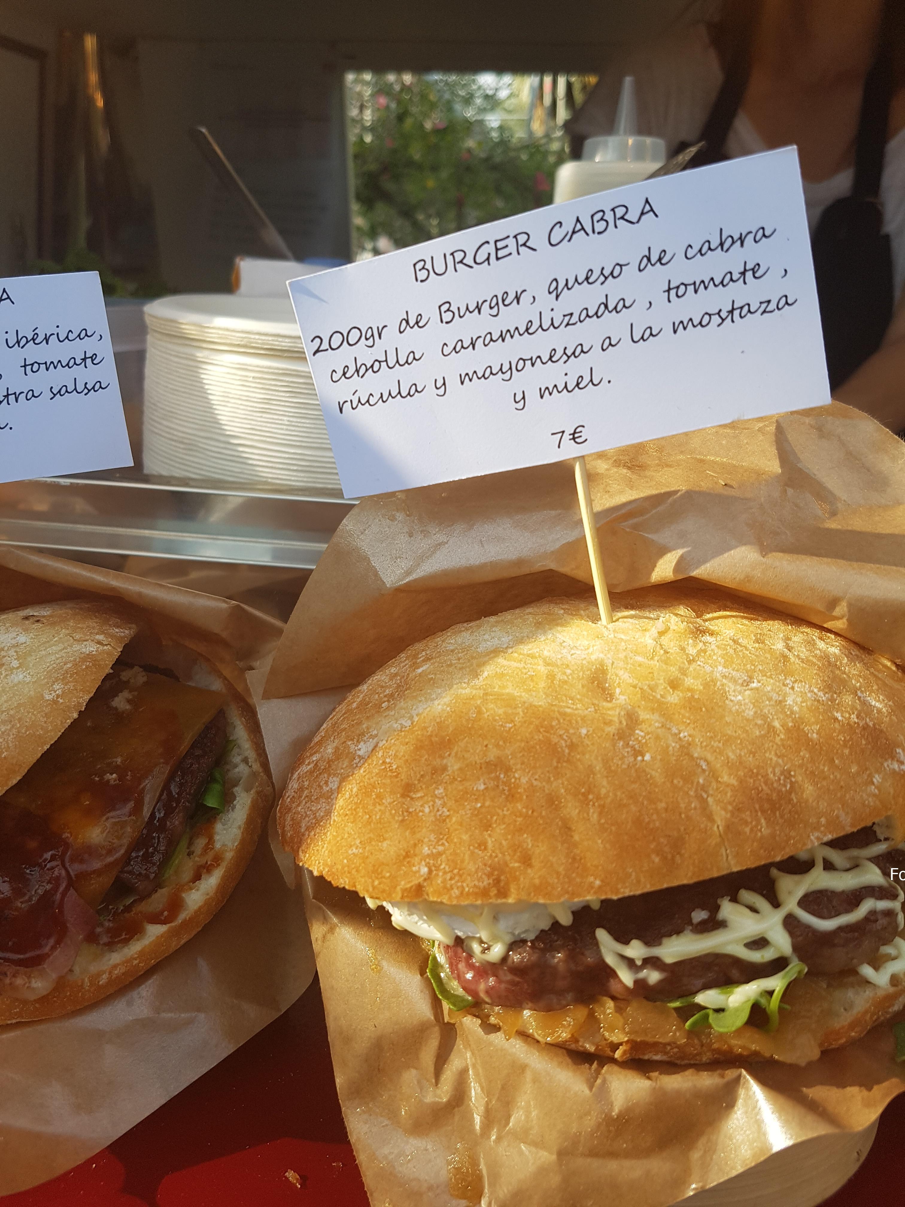 Todo tipo de comida en los Food Trucks que se encuentran en los Viveros de Valencia