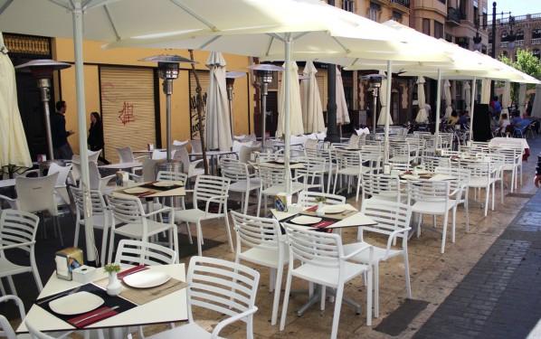 Más de 700 locales de hostelería pagarán la mitad de la tasa de ocupación de vía pública por sus terrazas