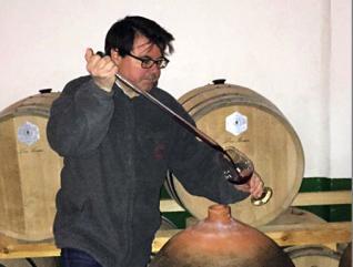 Ánforas de terracota para vinos: La simpleza del mecanismo del botijo
