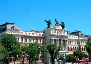 El Ministerio de Agricultura, Alimentación y Medio Ambiente subvenciona con 250.000 euros becas de alta formación de gestores y directivos de empresas de la cadena alimentaria