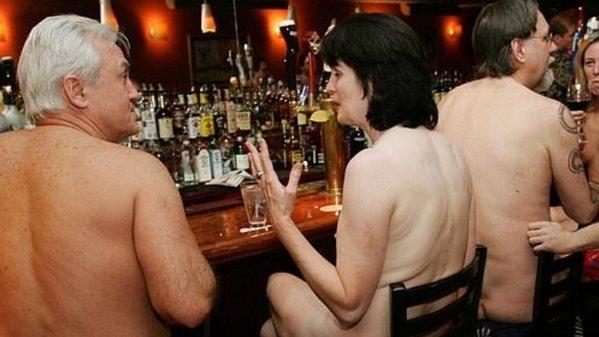restaurante nudista (4)
