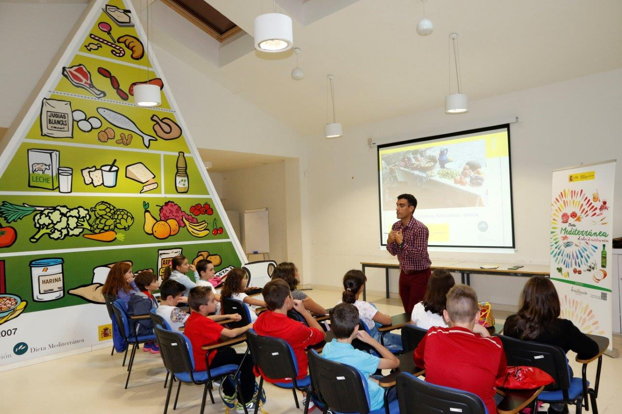 """Campamentos """"mediterraneamos en el Vivero"""" para fomentar la Dieta Mediterránea entre la población infantil"""