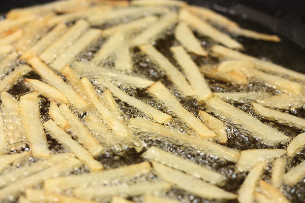 Desarrollan biodiésel de alta calidad a partir de aceite de fritura