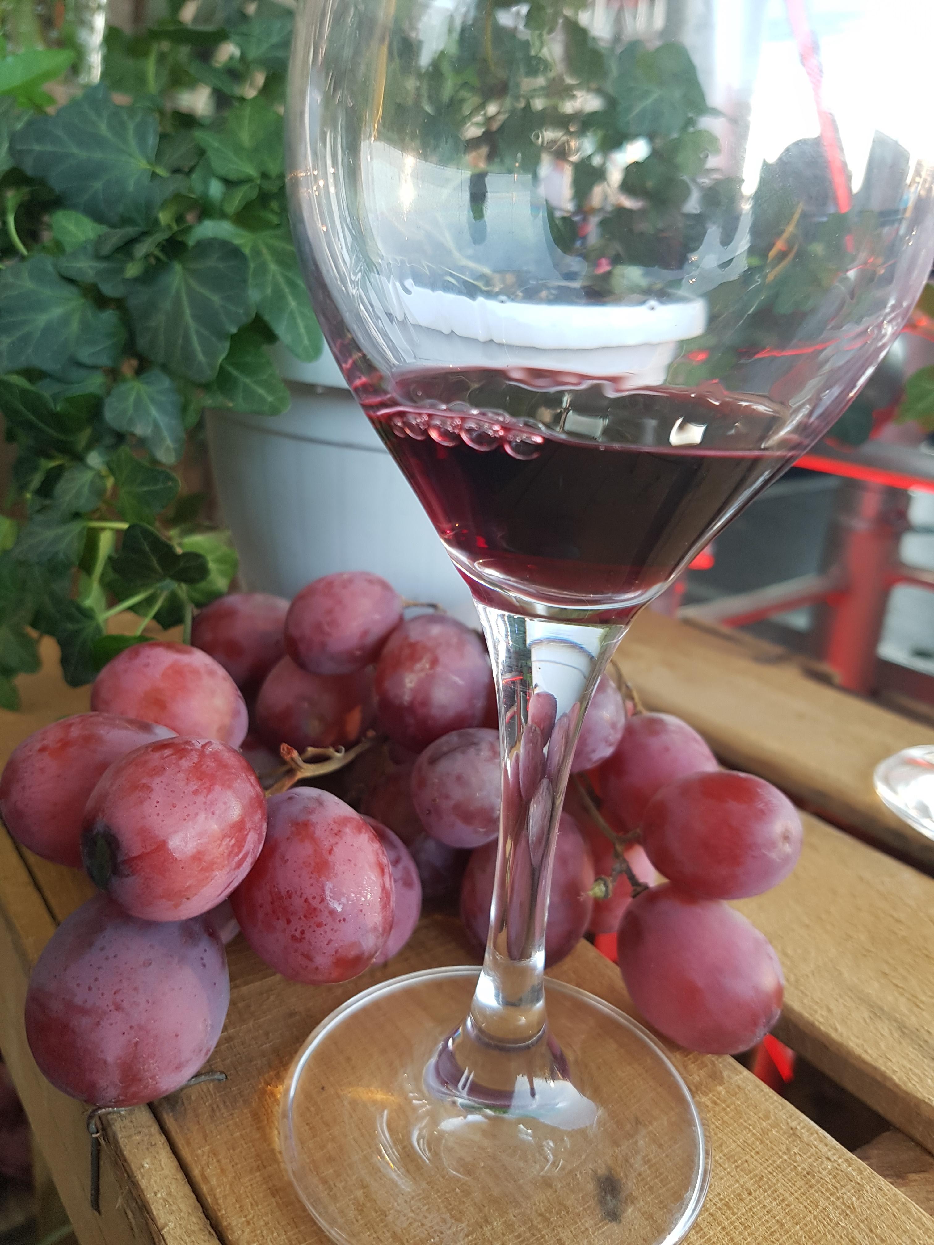 El corazón y el vino tinto