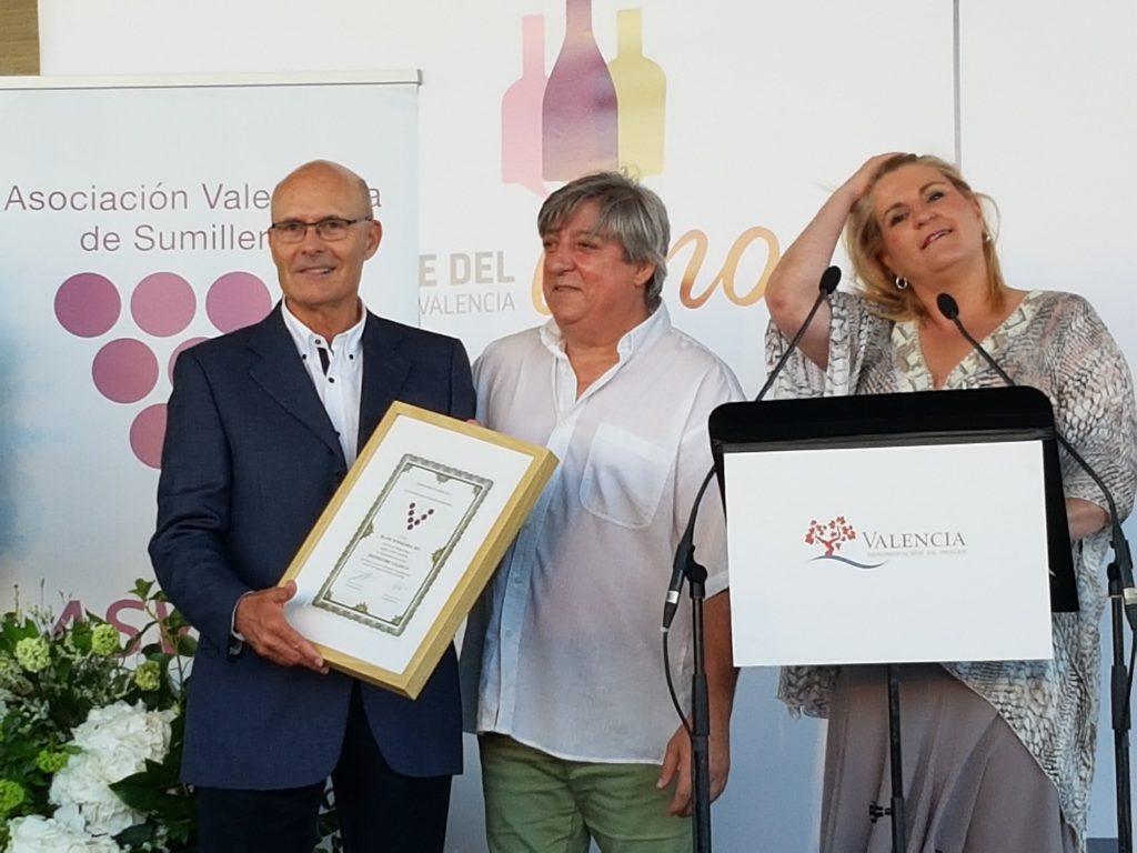 Entrega de los galardones Distinguidos Valencia 2016, premiados en la cata celebrada por ASVASU bodegas enguera DOP Valencia celebró su XII edición de la Noche del Vino