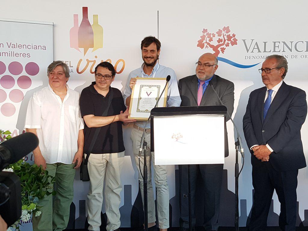 Entrega de los galardones Distinguidos Valencia 2016, premiados en la cata celebrada por ASVASU cuva bella 1980 valsangiacomo vinos DOP Valencia celebró su XII edición de la Noche del Vino w