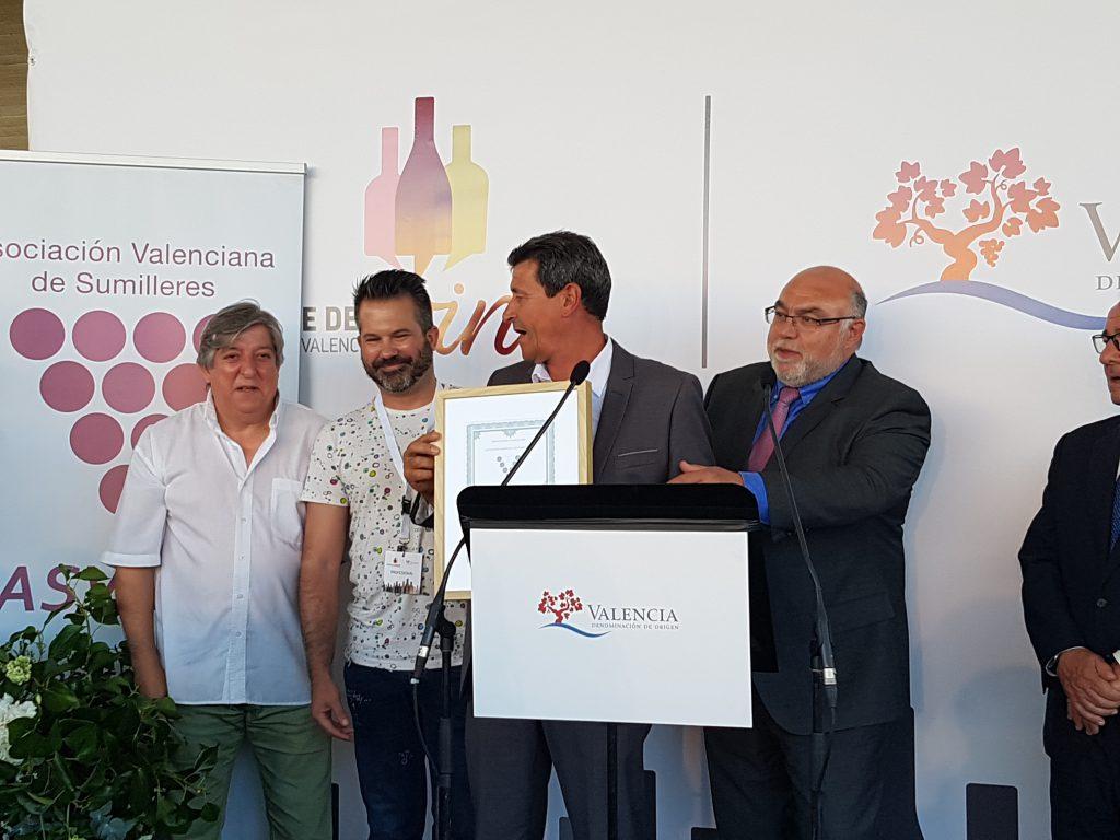 Entrega de los galardones Distinguidos Valencia 2016, premiados en la cata celebrada por ASVASU venta del puerto 12 viña vinos DOP Valencia celebró su XII edición de la Noche del Vino w