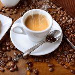 Las bebidas muy calientes, 'probable' causa de cáncer según la OMS
