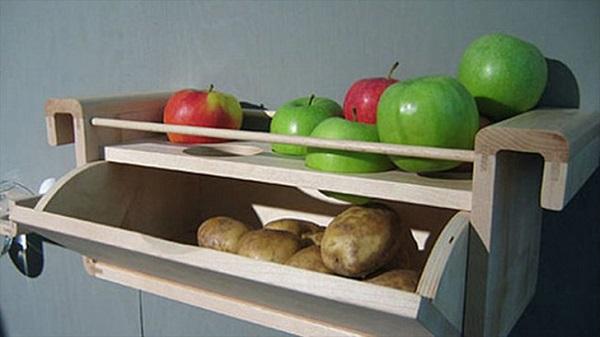 Las patatas no brotarán si son mantenidas cerca de las manzanas.
