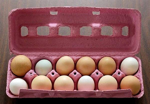 Untar los huevos con aceite vegetal, antes de guardarlos en el refrigerad