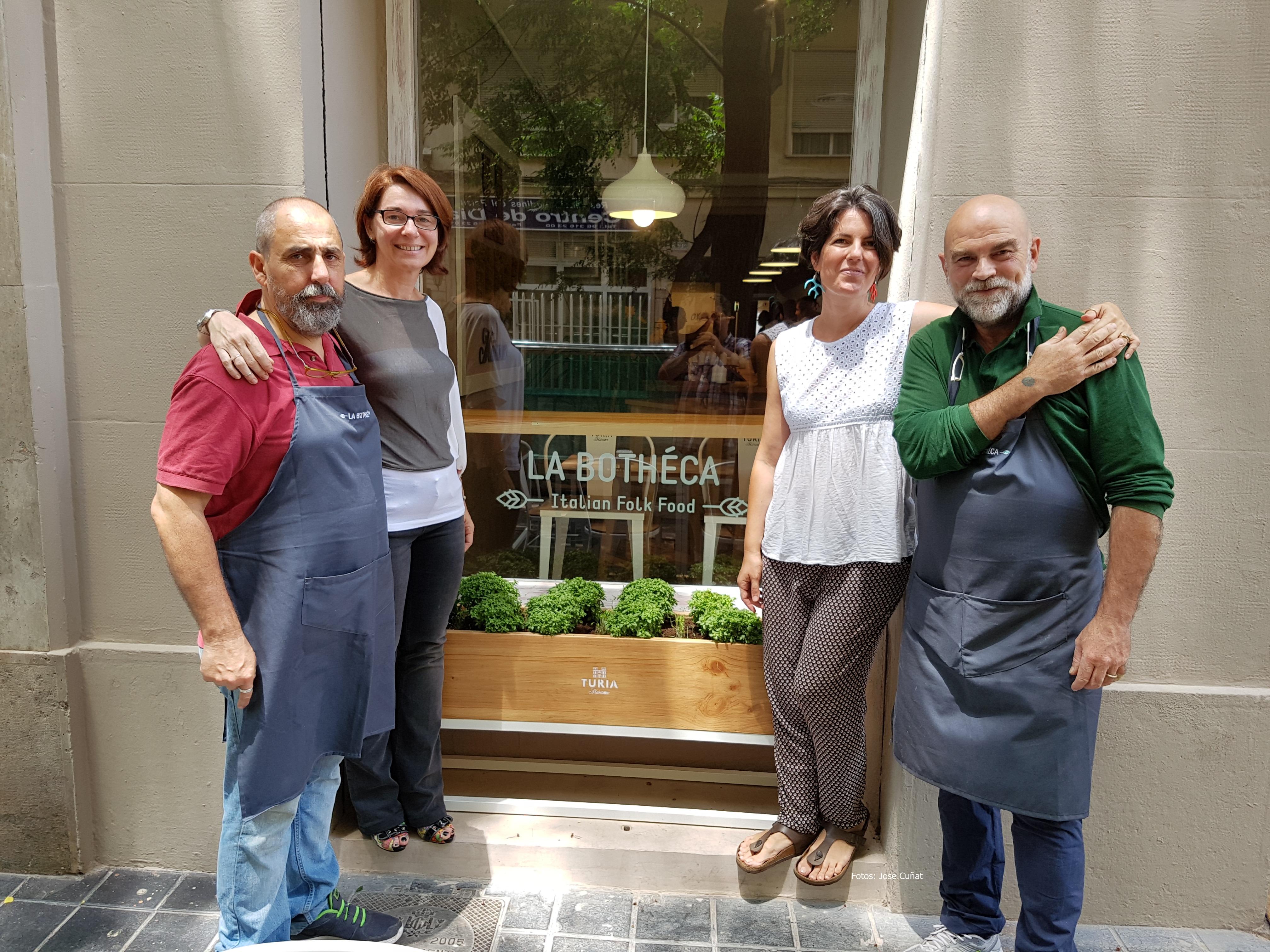 La Bothéca abre en Valencia el primer laboratorio de Mozarella hecha con leche de Búfala traída del sur de Italia