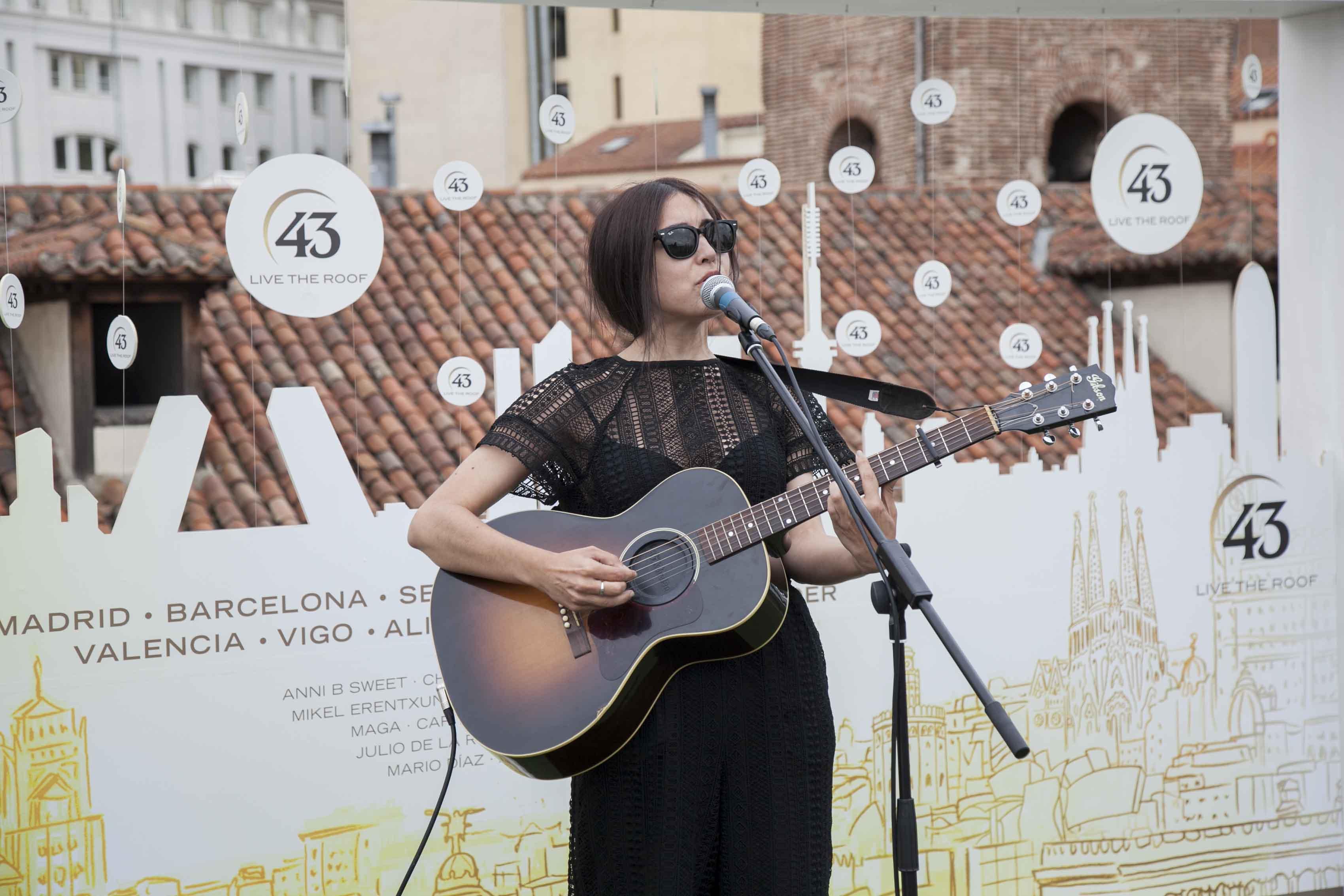 La elegancia de Anni BSweet llega a Valencia con 43 live the roof