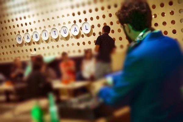 HABITUAL te invita a la primera cerveza fresquita del 'afterwork'