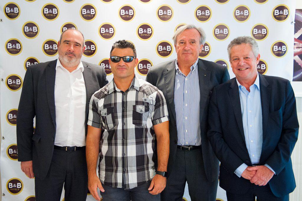 Laurent Bonnefous (CDO de B&B), David Casinos (atleta paralímpico),Dennis Derrien (Administrador de la cadena) yGeorges Sampeur (CEO de B&B)