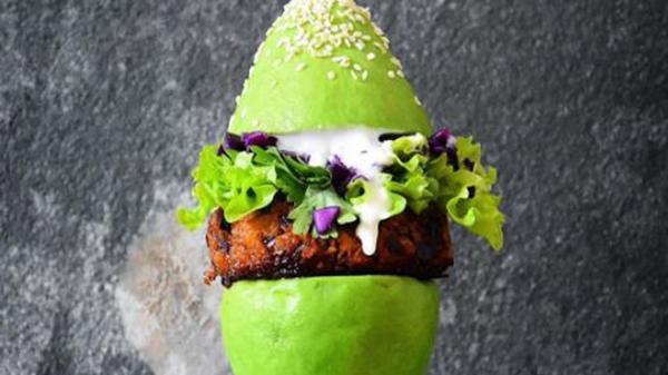 Hamburguesa de palta: el nuevo deleite vegano
