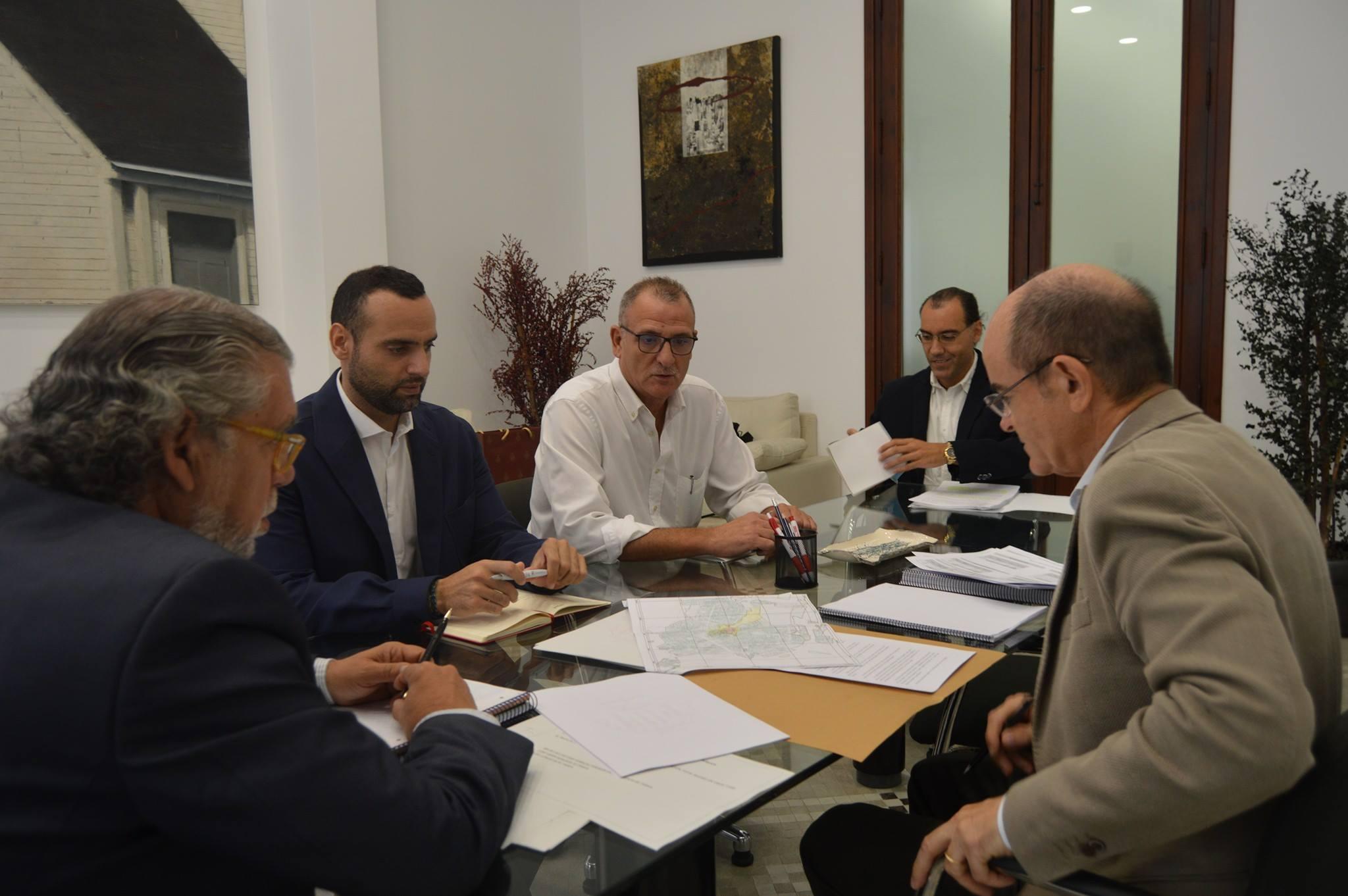 FEHV mantuvo un encuentro con la Concejalía de Hacienda respecto de las tasas de terrazas