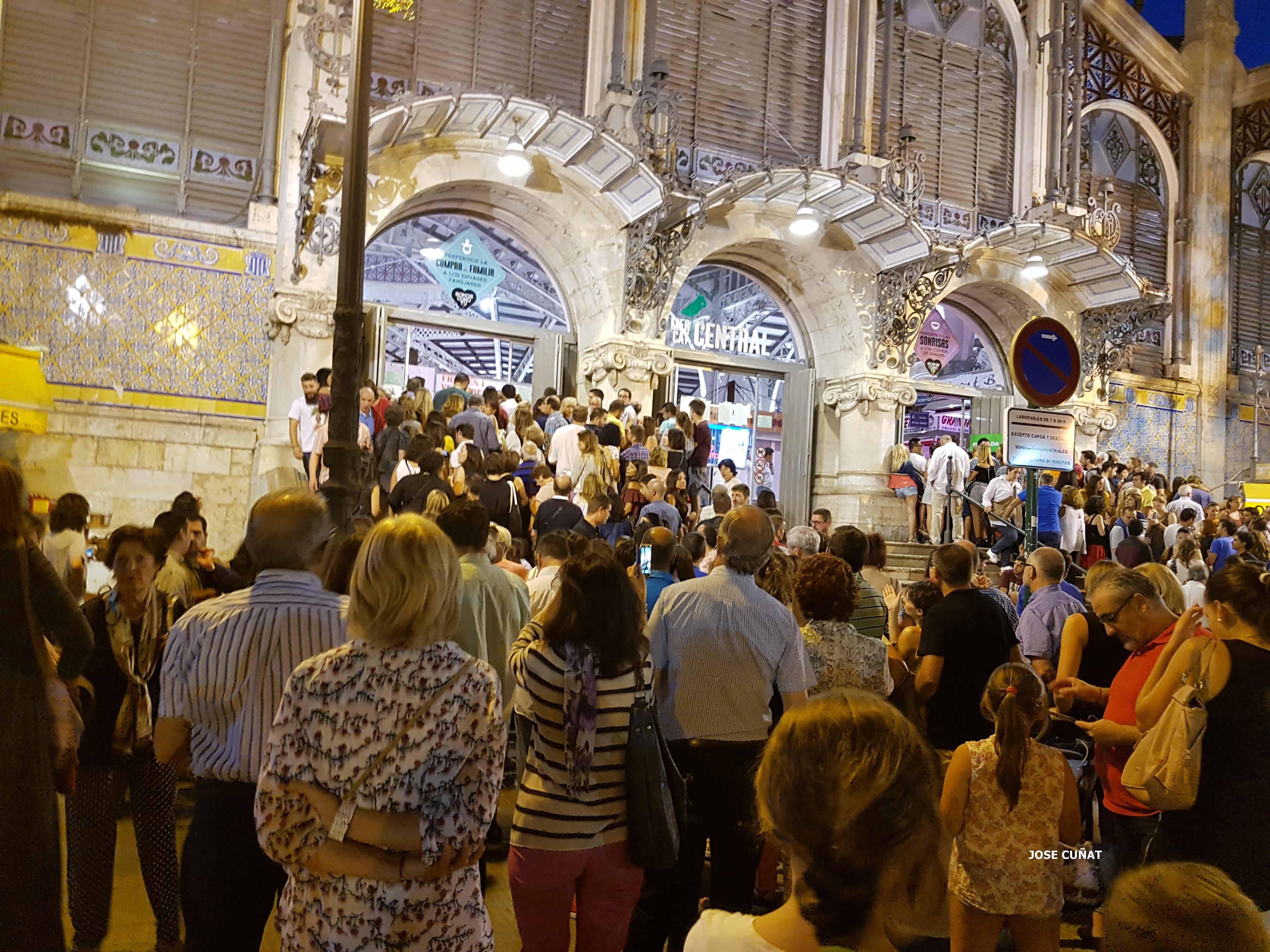 Aforo completo en la #BonicaFest de Valencia en el Mercado Central