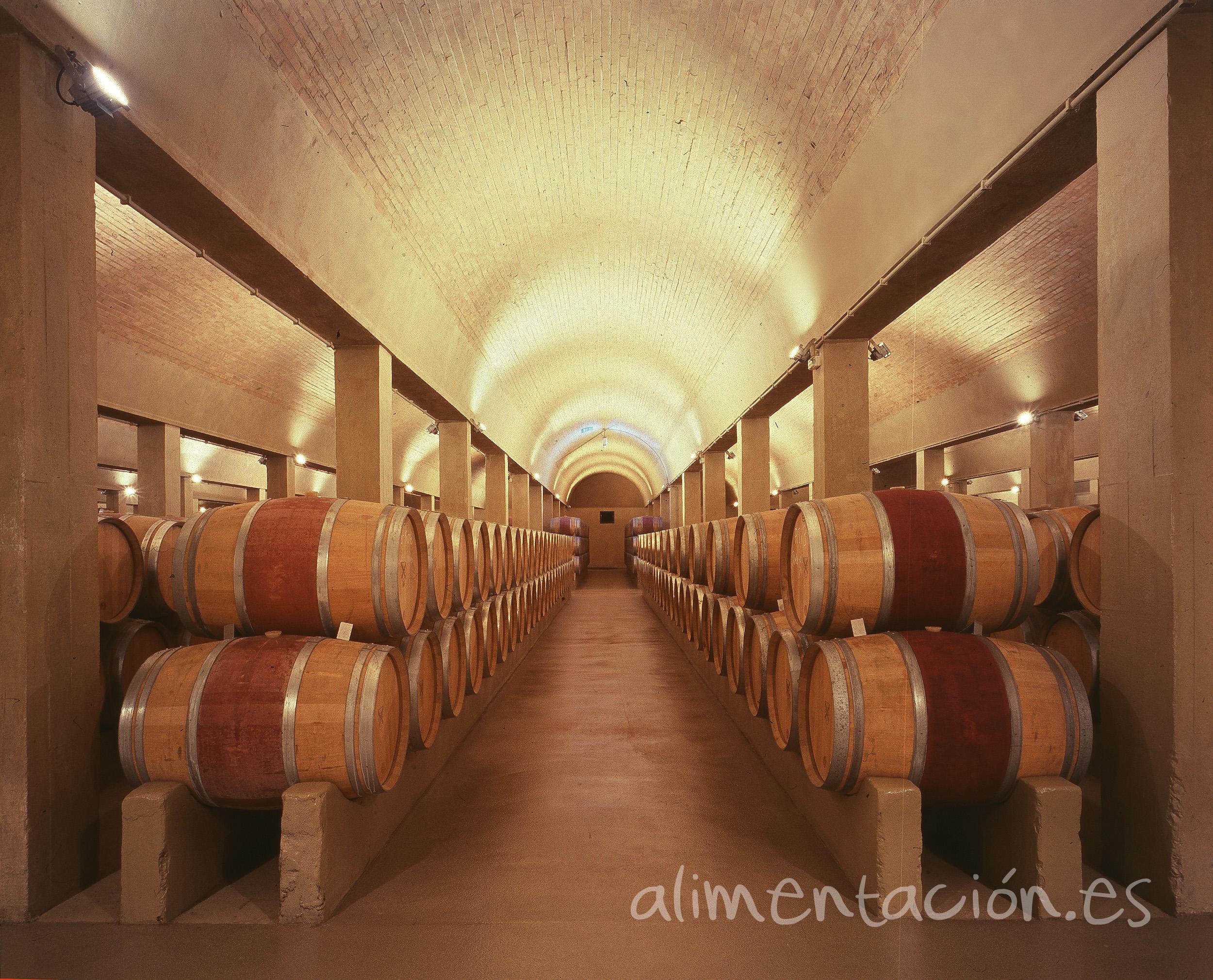 Las existencias de vino y mosto en poder de los operadores del sector son inferiores a la media de las cuatro últimas campañas