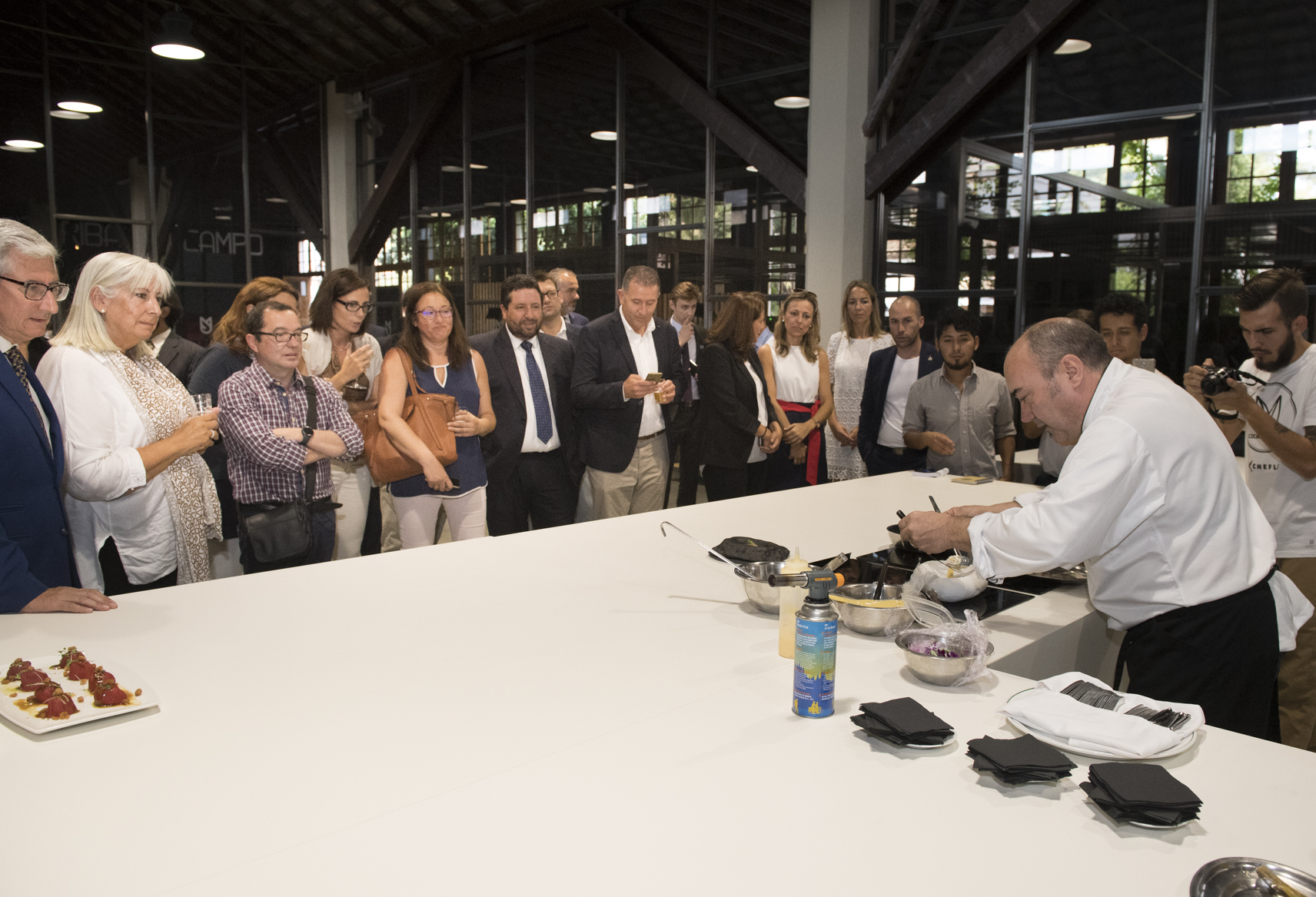 La Diputación reúne la mayor despensa de productos de toda la provincia en la I Feria Gastronómica Castelló Ruta de Sabor