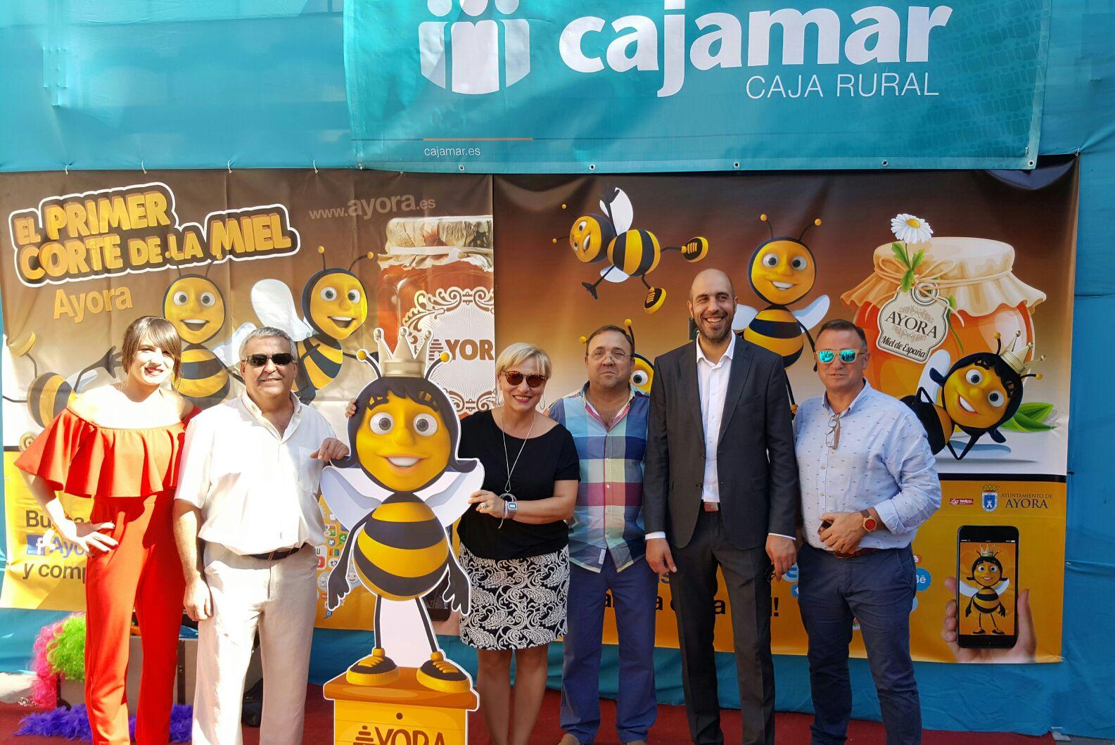 Els diputats Pablo Seguí i Rosa Pérez Garijo visiten la Fira de la Mel de Ayora