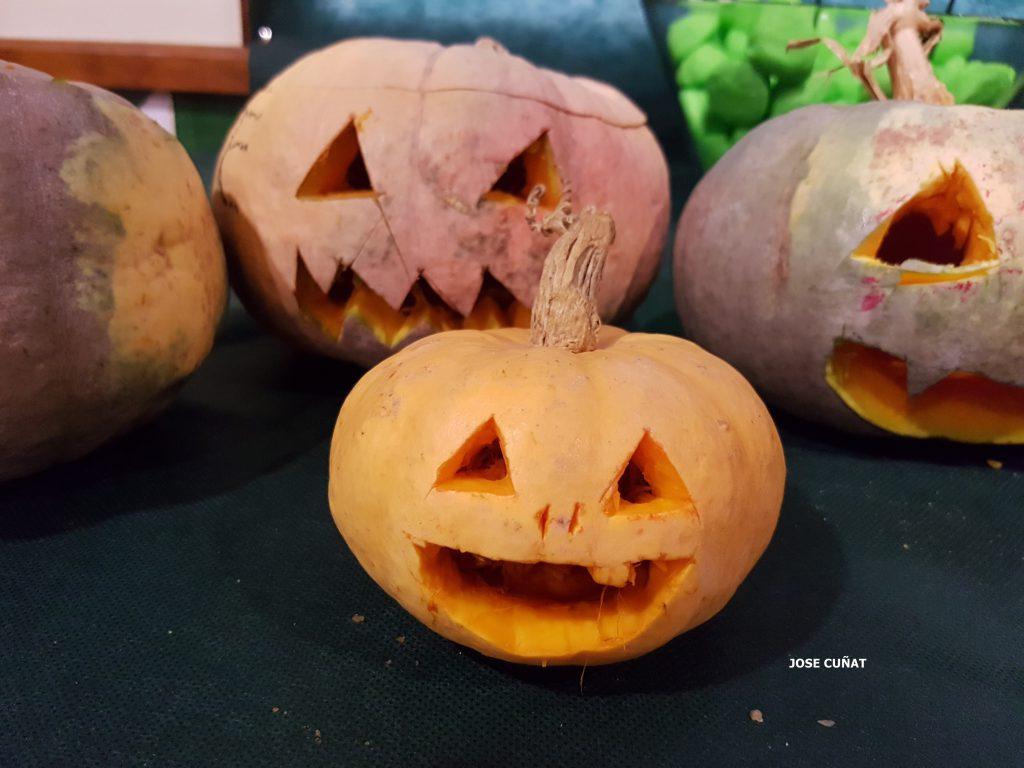 como-hacer-una-calabaza-de-halloween-18