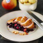 Magret de pato con Manzanas Val Venosta, col roja y canela en rama Colesterol a raya