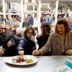 """Comercio organiza un """"Show cooking"""" para a fomentar el producto local"""