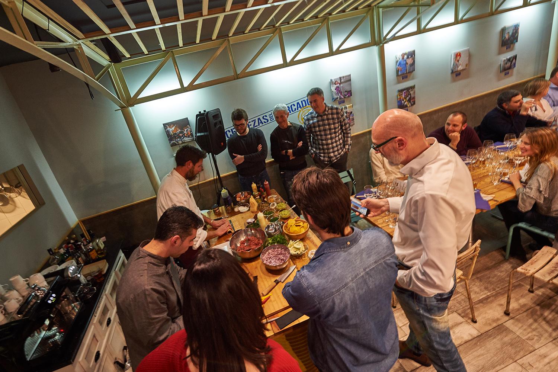 """Las Cervezas del Mercado by BWK acogió la primera cata """"Bier Steak Tartar. Show Cooking"""