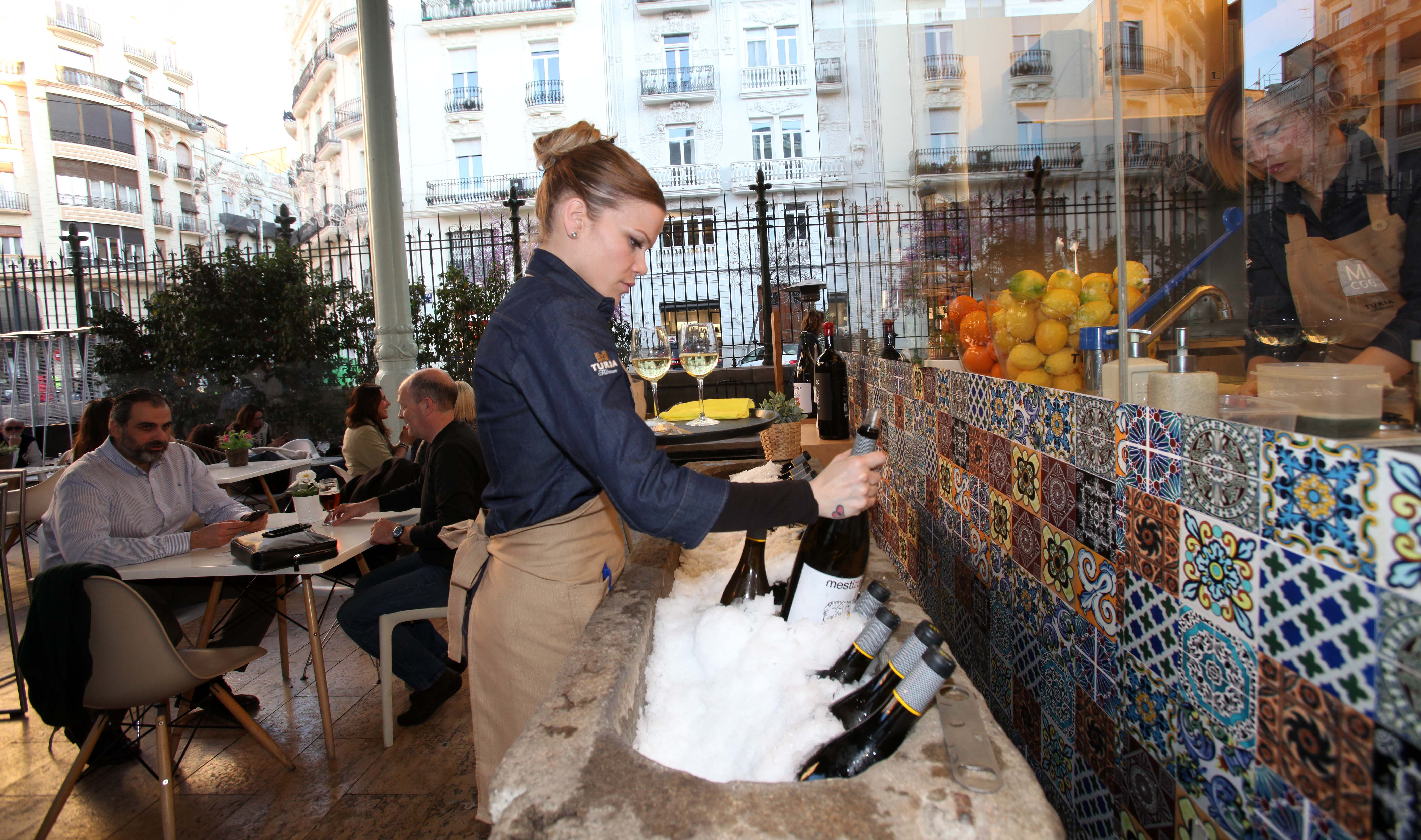 """Mi Cub en el Mercado de Colón celebró la """"Fiesta Mestizaje"""" con vinos Mustiguillo"""