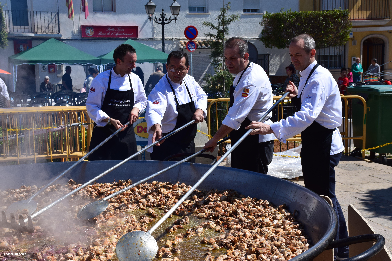Paella gigante en la  I Mostra de Municipis del Camp de Túria a Sant Antoni de Benagéber