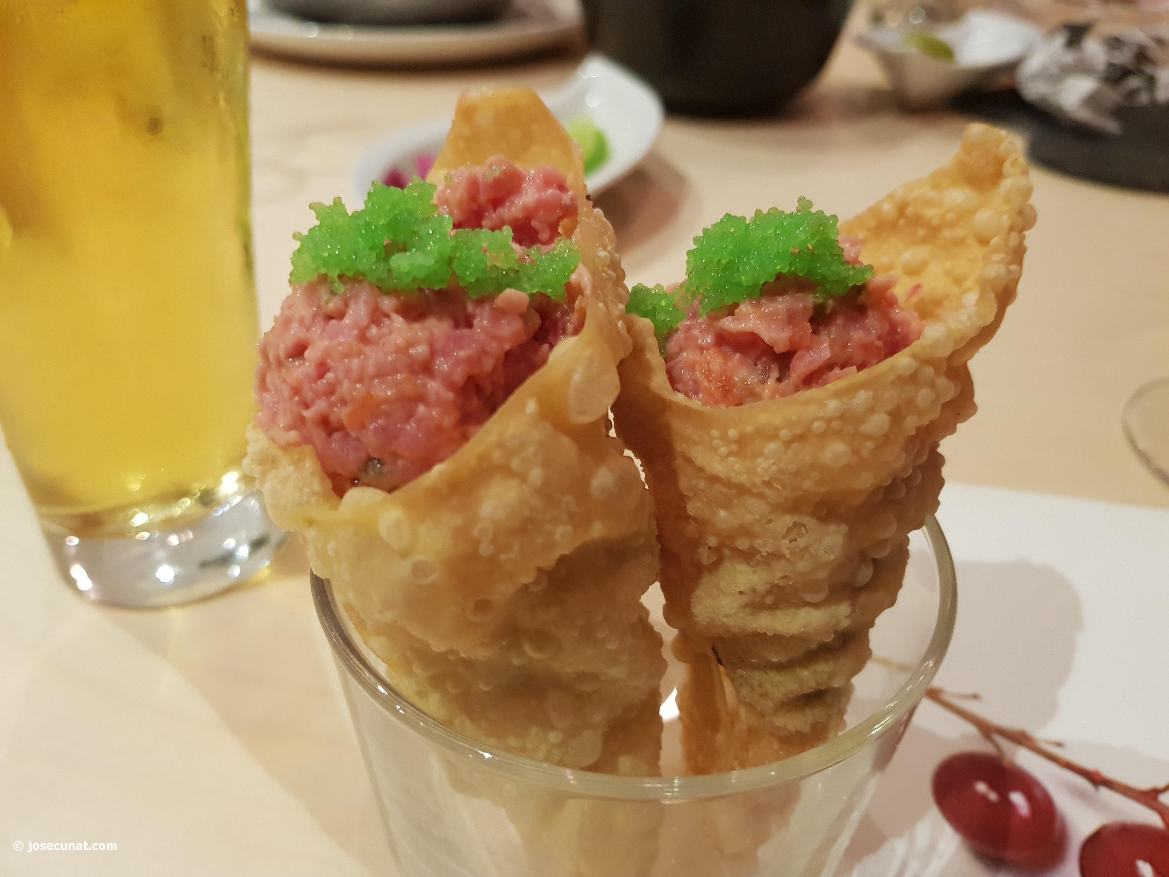 Un divertido concepto comer con las manos en Restaurante La Sequieta